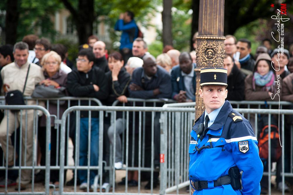 Défilé du 14 juillet sur les Champs Elysées à l'occasion de la fête nationale et préparatifs précédant la cérémonie.<br /> juillet 2012 / Paris (75) / FRANCE<br /> Cliquez ci-dessous pour voir le reportage complet (100 photos) en accès réservé<br /> http://sandrachenugodefroy.photoshelter.com/gallery/2012-07-Defile-du-14-juillet-et-preparatifs-Complet/G0000bJCdMutt_fU/C0000yuz5WpdBLSQ