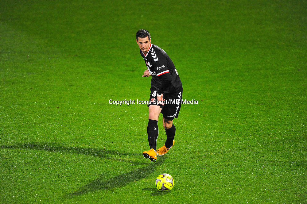 Valentin ROBERGE  - 04.12.2014 - Lyon / Reims - 16eme journee de Ligue 1  <br /> Photo : Jean Paul Thomas / Icon Sport