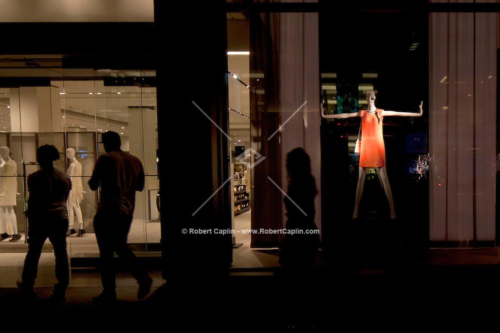 Zara Fifth Ave New York. . . Photo by Robert Caplin