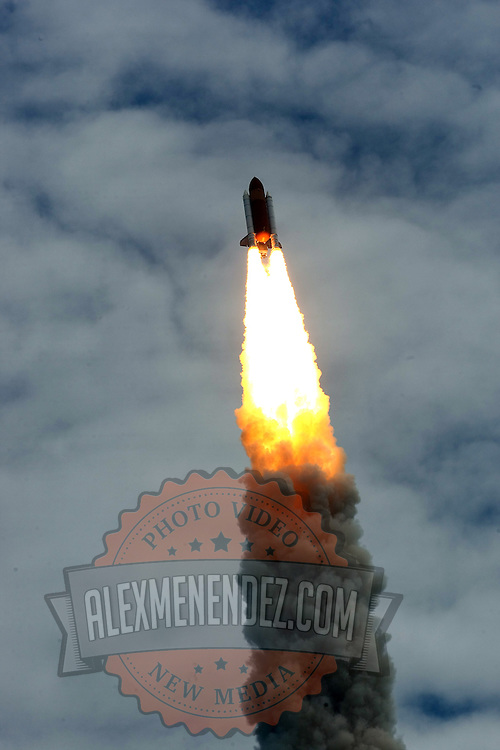 Space Shuttle Atlantis lifts off from the Kennedy Space Center Friday, July 8, 2011, in Cape Canaveral, Fla. Shuttle Atlantis is the 135th and final space shuttle launch for NASA..  (AP Photo/Alex Menendez)