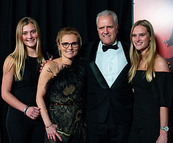 18-12-2019 NED: Sports gala NOC * NSF 2019, Amsterdam<br /> The traditional NOC NSF Sports Gala takes place in the AFAS in Amsterdam / Sarina Wiegman met partner en dochters Laura en Sasha
