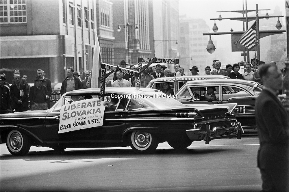 1959. Demonstrators during Khrushchev's visit in New York.<br />