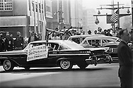 1959. Demonstrators during Khrushchev's visit in New York.<br /> <br /> 1959. Les manifestants lors de la visite de Khrouchtchev &agrave; New York .