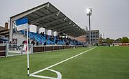 FODBOLD: Hovedtribunen før kampen i NordicBet Ligaen mellem HB Køge og FC Helsingør den 8. maj 2019 på Capelli Sport Stadion, Køge Idrætspark. Foto: Claus Birch