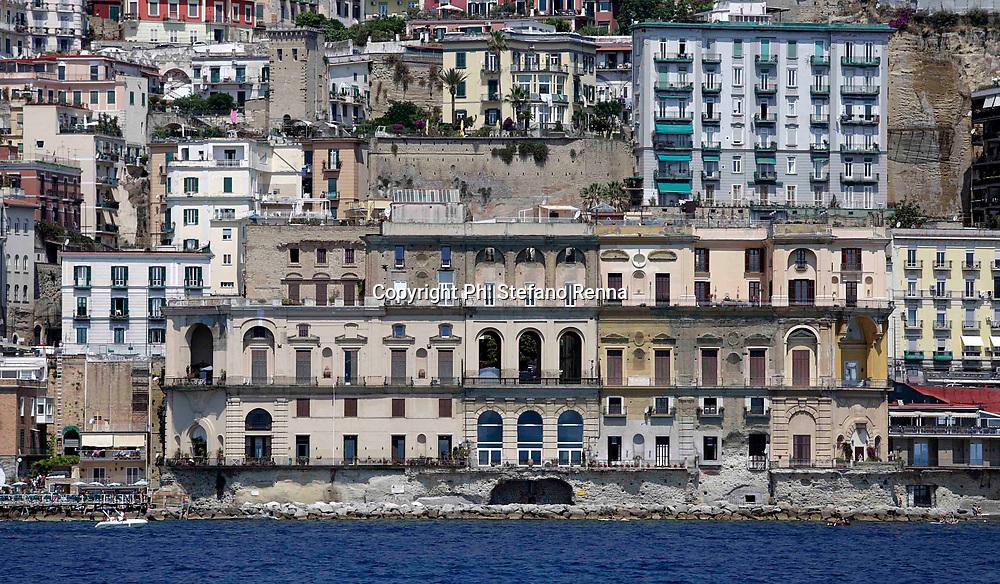 Napoli 24 giugno 2017<br /> Inaugurato il &quot; Bat&ograve; Naples Costa Tour &quot; visite turistiche lungo la costa partenopea<br /> Ph: Stefano Renna