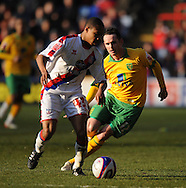 London - Friday, December 26th, 2008: Nathanial Clyne of Crystal Palace and David Bell of Norwich City during the Coca Cola Championship match at Selhurst Park, London. (Pic by Alex Broadway/Focus Images)