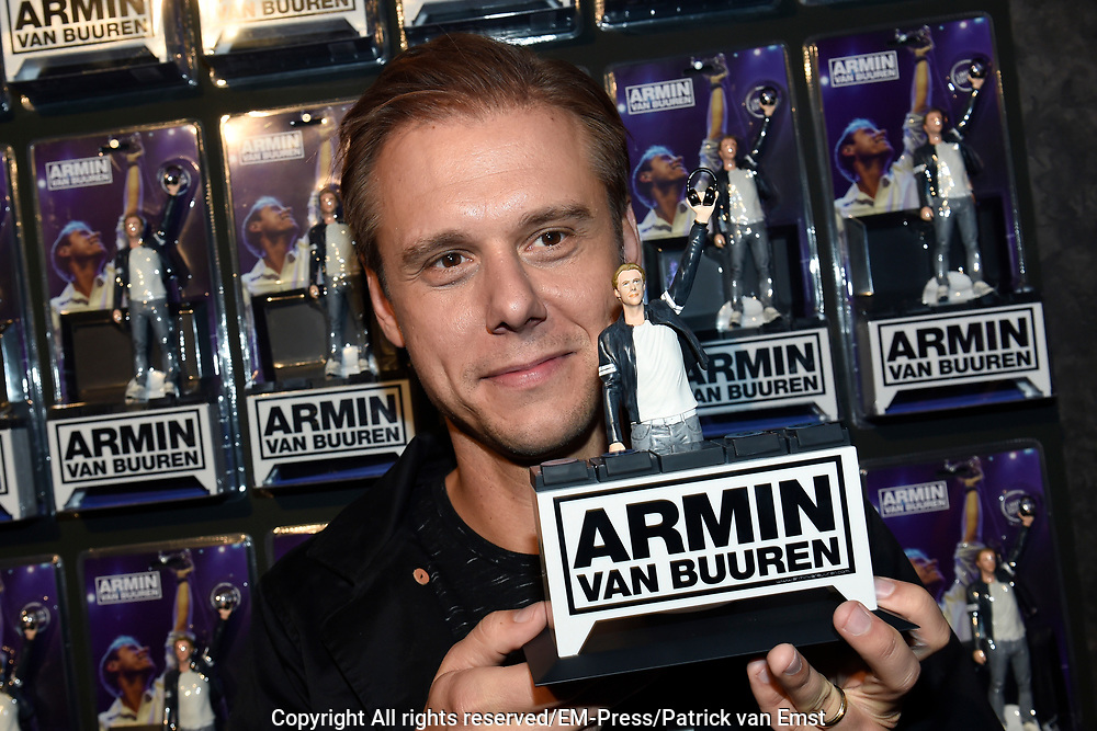 DJ's Armin van Buuren en Hardwell vereeuwigd als action figure // DJs Armin van Buuren and Hardwell as action figure<br /> <br /> Op de foto / On the photo:  Armin van Buuren