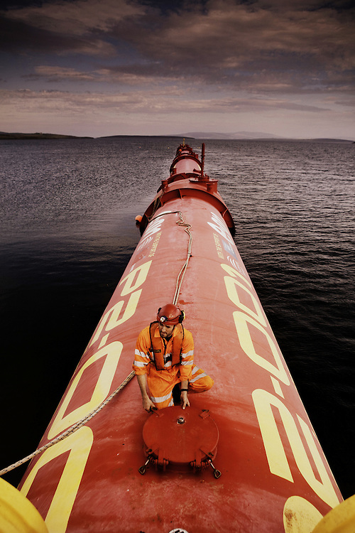 Pelamis Wave Machine - Orkney - Greenpeace Int