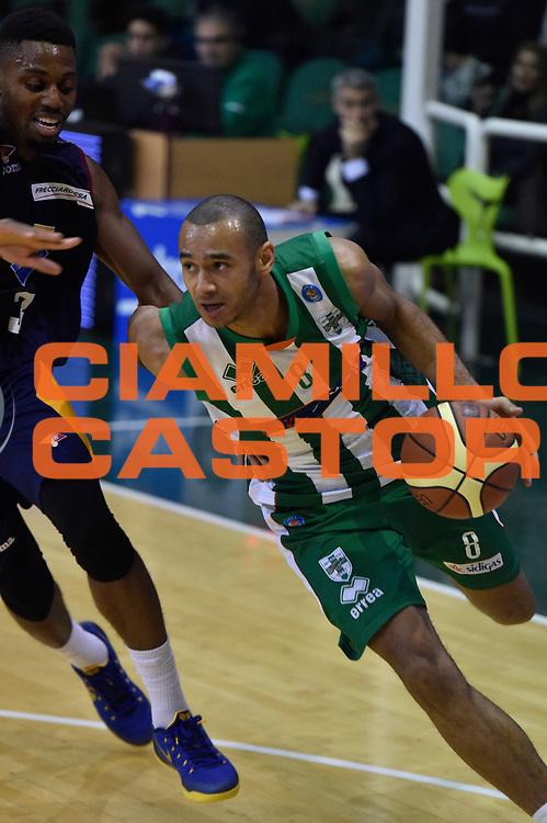 DESCRIZIONE : Campionato 2014/15 Sidigas Scandone Avellino - Virtus Acea Roma<br /> GIOCATORE : Adam Hanga<br /> CATEGORIA : Palleggio Penetrazione<br /> SQUADRA : Sidigas Scandone Avellino<br /> EVENTO : LegaBasket Serie A Beko 2014/2015<br /> GARA : Sidigas Scandone Avellino - Virtus Acea Roma<br /> DATA : 13/12/2014<br /> SPORT : Pallacanestro <br /> AUTORE : Agenzia Ciamillo-Castoria / GiulioCiamillo<br /> Galleria : LegaBasket Serie A Beko 2014/2015<br /> Fotonotizia : Campionato 2014/15 Sidigas Scandone Avellino - Virtus Acea Roma<br /> Predefinita :Predefinita :