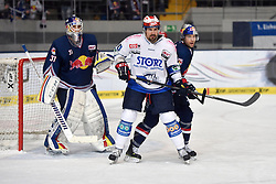 06.01.2015, Olympia-Eisstadion, Muenchen, GER, DEL, EHC Red Bull M&uuml;nchen Schwenninger vs Wild Wings, 36. Runde, im Bild Niklas Treutle, Torhueter (EHC Red Bull Muenchen), Kyle Greentree (Schwenninger Wild Wings), Richard Regehr (EHC Red Bull Muenchen), v.li. Aktion, // during Germans DEL Icehockey League 36th round match between EHC Red Bull M&uuml;nchen Schwenninger and Wild Wings at the Olympia-Eisstadion in Muenchen, Germany on 2015/01/06. EXPA Pictures &copy; 2015, PhotoCredit: EXPA/ Eibner-Pressefoto/ Buthmann<br /> <br /> *****ATTENTION - OUT of GER*****