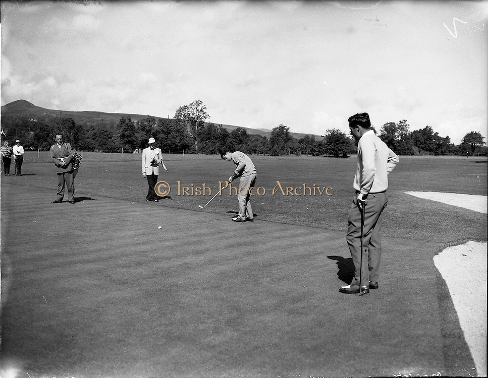 20/07/1962<br /> 07/20/1962<br /> 20 July 1962<br /> Woodbrook Irish Hospitals' Golf Tournament at Woodbrook Golf Course, Dublin. H. Middleton, (Shandon Park) putting at 2nd.