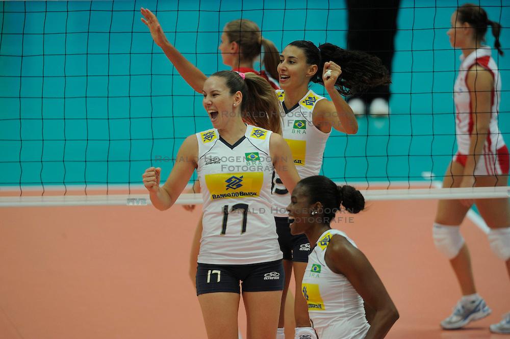 26-08-2010 VOLLEYBAL: WGP FINAL POLAND - BRAZIL: BEILUN NINGBO<br /> Brazil beat Poland 3-1 / Josefa Fabiola de Souza, Fabiana Claudino and Sheilla Castro<br /> &copy;2010-WWW.FOTOHOOGENDOORN.NL