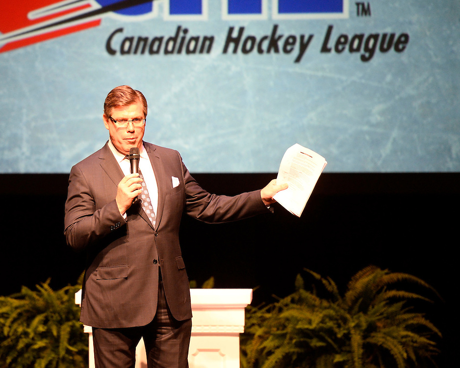 Rob Faulds of Sportsnet at the 2013-14 Canadian Hockey League Awards Ceremony at the Grand Theatre in London, ON on Saturday May 24, 2014. Photo by Aaron Bell/CHL Images