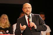 Mannheim. 19.09.17 | SPD-Kanzlerkandidat Martin Schulz im Capitol Mannheim.<br /> Im Wahlkampf zur Bundestagswahl unterstützt Kanzlerkandidat Martin Schulz Mannheims SPD Bundestagsabgeordneter Stefan Rebmann.<br /> <br /> <br /> BILD- ID 2369 |<br /> Bild: Markus Prosswitz 19SEP17 / masterpress (Bild ist honorarpflichtig - No Model Release!)