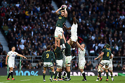 RG Snyman of South Africa wins the ball at a lineout - Mandatory byline: Patrick Khachfe/JMP - 07966 386802 - 03/11/2018 - RUGBY UNION - Twickenham Stadium - London, England - England v South Africa - Quilter International