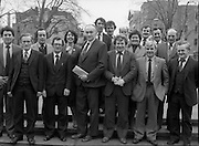 TDs arrive for the opening session of the 23rd Dáil...9-03-82.03-09-1982.9th March 1982..Pictured At Leinster House. ..TDs on the steps of Dáil Éireann