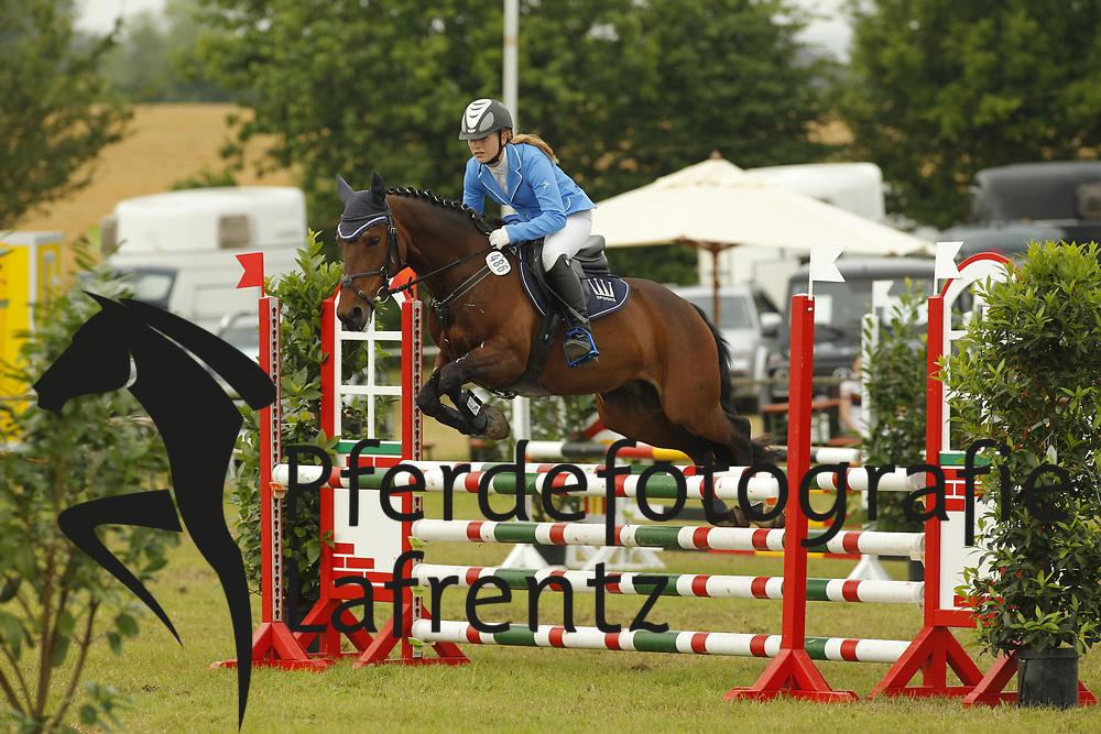 Juskowiak, Lydia, Dalien 2<br /> Eutin - Dressur- und Springturnier<br /> Ponystilspringen<br /> © www.sportfotos-lafrentz.de/Stefan Lafrentz