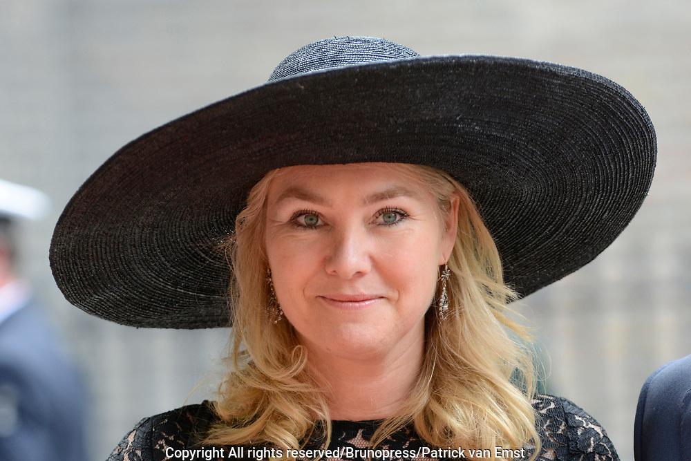 Prinsjesdag 2013 - Aankomst Parlementari&euml;rs bij de Ridderzaal op het Binnenhof.<br /> <br /> Op de foto:  Melanie Schultz van Haegen - Minister van Infrastructuur en Milieu