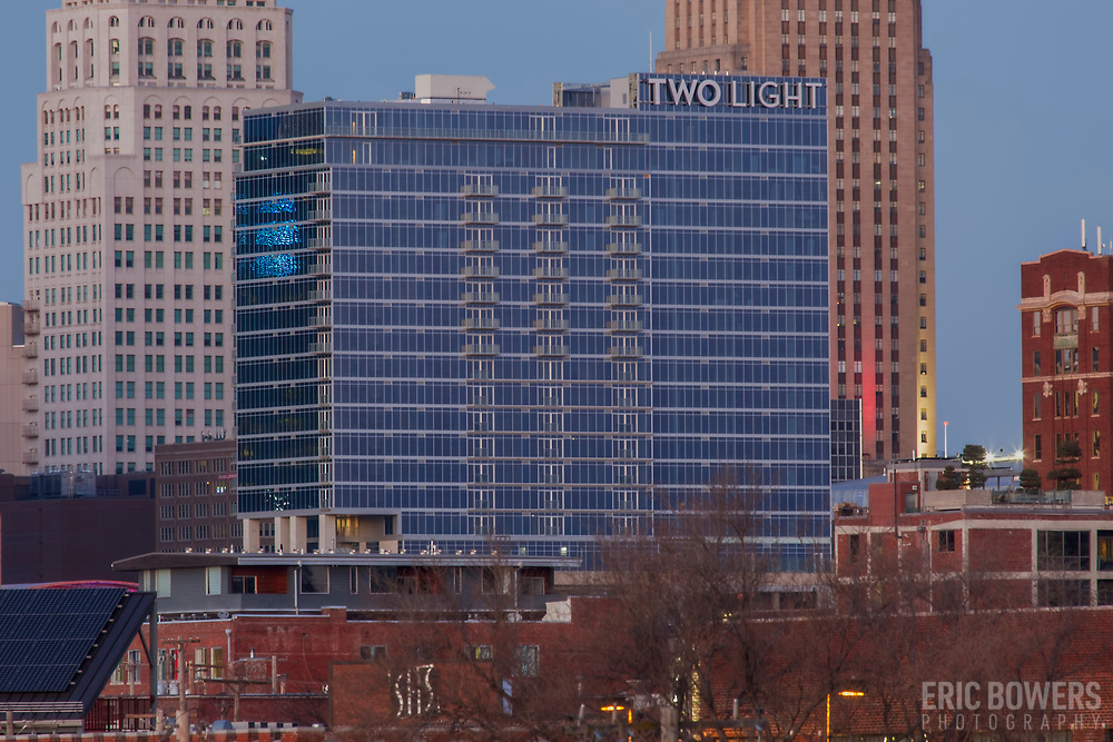 Two Light Tower new-build residential highrise building nearing completion in Kansas City, Missouri. December 2017.