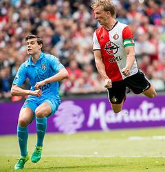 14-05-2017 NED: Kampioenswedstrijd Feyenoord - Heracles Almelo, Rotterdam<br /> In een uitverkochte Kuip pakt Feyenoord met een 3-0 overwinning het landskampioenschap / Dirk Kuyt #7 scoort de 2-0