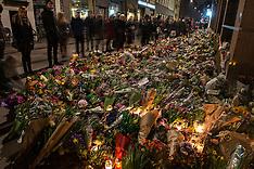 20150217 Blomster foran Synagogen i København