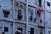Buenos Aires, 22 de Junho de 2011..CEMITERIO DA RECOLETA..Fotos no cemiterio da recoleta na cidade de Buenos Aires...FOTO: MARCUS DESIMONI / NITRO....