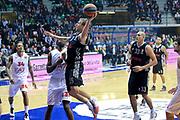 DESCRIZIONE : Paladesio Eurolega 2013-14 EA7 Emporio Armani Milano-Brose Baskets Bamberg<br /> GIOCATORE : Gavel Anton<br /> SQUADRA :  Brose Baskets Bamberg<br /> CATEGORIA : Tiro<br /> EVENTO : Eurolega 2013-2014<br /> GARA :  EA7 Emporio Armani Milano-Brose Baskets Bamberg<br /> DATA : 13/12/2013<br /> SPORT : Pallacanestro<br /> AUTORE : Agenzia Ciamillo-Castoria/I.Mancini<br /> Galleria : Eurolega 2013-2014<br /> Fotonotizia : Milano Eurolega Eurolegue 2013-14  EA7 Emporio Armani Milano Brose Baskets Bamberg<br /> Predefinita :