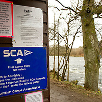 Canoeist Dies in River Tay Tradegy at Grandtully, Perthshire....08.04.10<br /> Signs by the River Tay in Grandtully for canoeists<br /> Picture by Graeme Hart.<br /> Copyright Perthshire Picture Agency<br /> Tel: 01738 623350  Mobile: 07990 594431