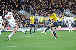 Jake Wright of Oxford United shoots at goal. - Mandatory byline: Alex James/JMP - 10/01/2016 - FOOTBALL - Kassam Stadium - Oxford, England - Oxford United v Swansea City - FA Cup Third Round