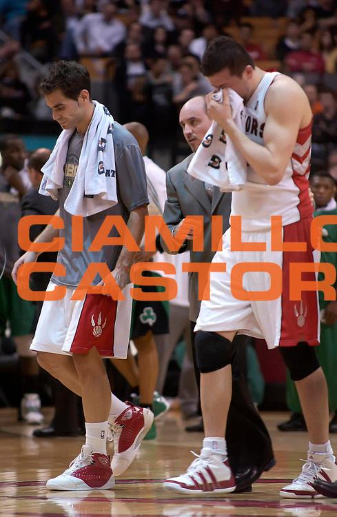 DESCRIZIONE : Toronto NBA 2009-2010 Toronto Raptors Boston Celtics<br /> GIOCATORE : Jose Calderon Hedo Turkoglu<br /> SQUADRA : Toronto Raptors Boston Celtics<br /> EVENTO : Campionato NBA 2009-2010 <br /> GARA : Toronto Raptors Boston Celtics<br /> DATA : 07/04/2010<br /> CATEGORIA :<br /> SPORT : Pallacanestro <br /> AUTORE : Agenzia Ciamillo-Castoria/V.Keslassy<br /> Galleria : NBA 2009-2010<br /> Fotonotizia : Toronto NBA 2009-2010 Toronto Raptors Boston Celtics<br /> Predefinita :