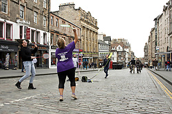 Four young women enjoy a game of badminton in car free Royal Mile during Open Streets day. Pic copyright Terry Murden @edinburghelitemedia