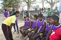 KHUNTI (Jharkhand) -  Finaledag Interschool Hockey League 2016. ONE MILLION HOCKEY LEGS  is een project , geïnitieerd door de Nederlandse- en Indiase overheid, met het doel om trainers en coaches op te leiden en  500.000 kinderen in India te laten hockeyen.  Ex international Floris Jan Bovelander   is een van de oprichters en het gezicht van OMHL.  COPYRIGHT KOEN SUYK