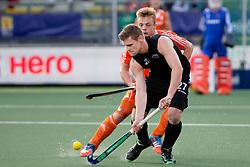 THE HAGUE - Rabobank Hockey World Cup 2014 - 2014-06-10 - MEN - NEW ZEALAND - THE NETHERLANDS -  Stephen JENNESS in duel met Mink van der Weerden.<br /> Copyright: Willem Vernes