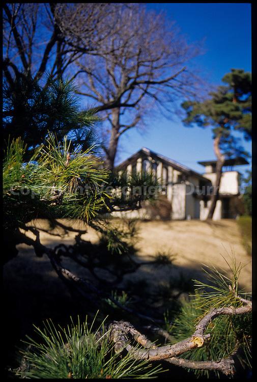 architecture in Honshu, Tokyo suburbs / architecure dans la banlieue de Tokyo, Japon