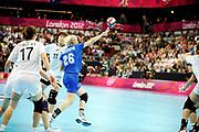 DESCRIZIONE : Handball Jeux Olympiques Londres Quart de Finale<br /> GIOCATORE : KHMYROVA Tatiana <br /> SQUADRA : Russie Femme<br /> EVENTO :  Handball Jeux Olympiques<br /> GARA : Coree Russie<br /> DATA : 07 08 2012<br /> CATEGORIA : handball Jeux Olympiques<br /> SPORT : HANDBALL<br /> AUTORE : JF Molliere <br /> Galleria : France JEUX OLYMPIQUES 2012 Action<br /> Fotonotizia : France Handball Femme Jeux Olympiques Londres Quart de Finale Copper Box<br /> Predefinita :