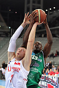 DESCRIZIONE : Torino Coppa Italia Final Eight 2011 Quarti di Finale Armani Jeans Milano Air Avellino<br /> GIOCATORE : Oleksiy Pecherov Linton Johnson<br /> SQUADRA : Armani Jeans Milano Air Avellino<br /> EVENTO : Agos Ducato Basket Coppa Italia Final Eight 2011<br /> GARA : Armani Jeans Milano Air Avellino<br /> DATA : 11/02/2011<br /> CATEGORIA : Rimbalzo Super<br /> SPORT : Pallacanestro<br /> AUTORE : Agenzia Ciamillo-Castoria/G.Cottini<br /> Galleria : Final Eight Coppa Italia 2011<br /> Fotonotizia : Torino Coppa Italia Final Eight 2011 Quarti di Finale Armani Jeans Milano Air Avellino<br /> Predefinita :