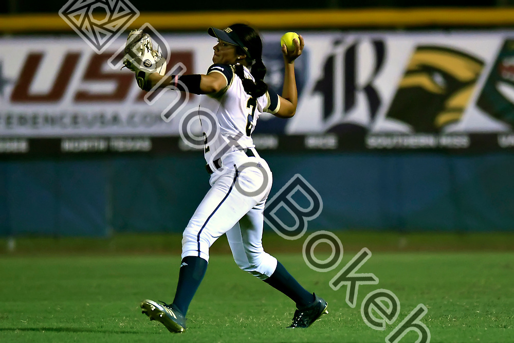 2018 February 09 - FIU's Araceli Peralta (2). Florida International University softball fell to Hofstra, 5-0, at Felsberg Field, Miami, Florida. (Photo by: Alex J. Hernandez / photobokeh.com) This image is copyright by PhotoBokeh.com and may not be reproduced or retransmitted without express written consent of PhotoBokeh.com. ©2018 PhotoBokeh.com - All Rights Reserved