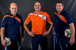 22-09-2017 NED: Portret zitvolleybalsters Oranje 2017-2018, Leersum<br /> Nederland bereidt zich voor op het komende EK zitvolleybal / Ass. coach Martin Rutten, Coach Pim Scherpenzeel en Ass. coach Anton Schäffer Schaffer