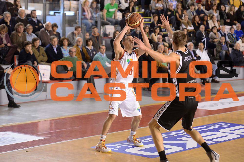 DESCRIZIONE : Roma Lega serie A 2013/14  Acea Virtus Roma Virtus Granarolo Bologna<br /> GIOCATORE : jimmy baron<br /> CATEGORIA : passaggio<br /> SQUADRA : Acea Virtus Roma<br /> EVENTO : Campionato Lega Serie A 2013-2014<br /> GARA : Acea Virtus Roma Virtus Granarolo Bologna<br /> DATA : 17/11/2013<br /> SPORT : Pallacanestro<br /> AUTORE : Agenzia Ciamillo-Castoria/GiulioCiamillo<br /> Galleria : Lega Seria A 2013-2014<br /> Fotonotizia : Roma  Lega serie A 2013/14 Acea Virtus Roma Virtus Granarolo Bologna<br /> Predefinita :