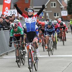 1-03-2020: Wielrennen: Hageland vrouwen: Tielt-Winge: Lorena Wiebes wint in Tielt-Winge voor Marta Bastianelli en Emma Norsgaard