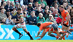 Ben Youngs of Leicester Tigers evades tackles as he runs with the ball - Mandatory by-line: Robbie Stephenson/JMP - 15/04/2017 - RUGBY - Welford Road - Leicester, England - Leicester Tigers v Newcastle Falcons - Aviva Premiership