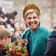 NLD/Almelo/20161028 - Streekbezoek Achterhoek door Willem-Alexander en Maxima,