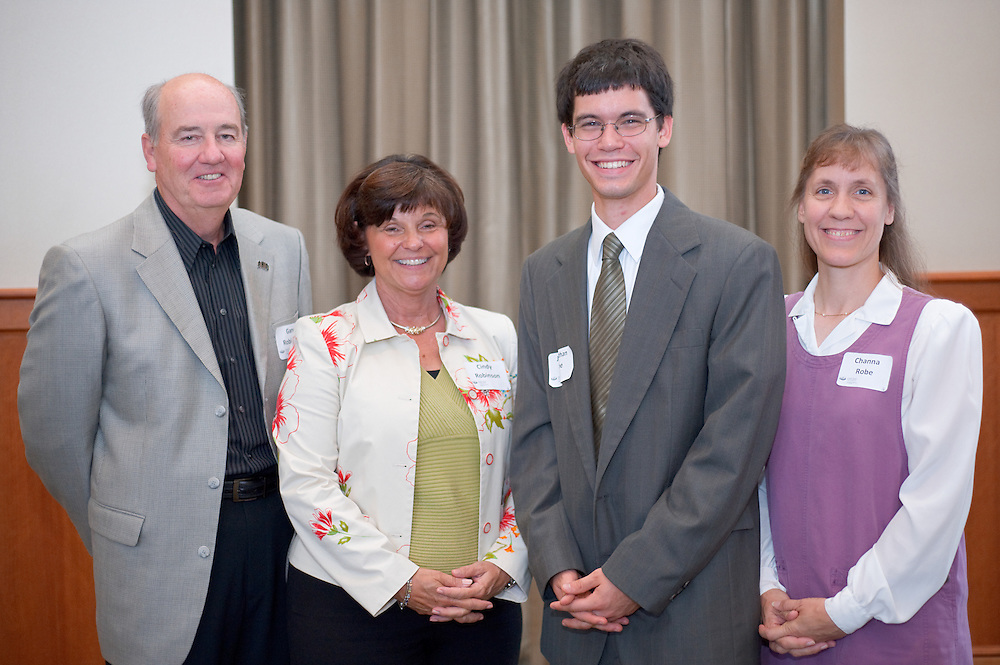 19039Scholarship Luncheon for the College of Engineering: In Walter Hall 9/12/08..Gary Robinson, Cindy Robinson, Jonathan Robe,Channa Robe