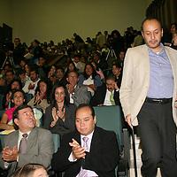 TOLUCA, México.- Nelson Arteaga Botello, director de la Facultad de Ciencias Políticas y Sociales de la UAEM, durante la reunión de Representantes de asociaciones civiles que apoyan causas sociales analizaron el propósito y los retos de la Ley de Fomento que esta en discusión en el congreso federal para ampliar y regular la participación de estas en objetivos como el combate a la pobreza. Agencia MVT / José Hernández. (DIGITAL)