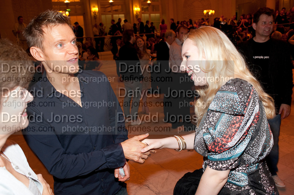 MARC WARREN; ALLIE LEE, Aldwych theatre's Cool Hand Luke first night party. Waldorf Hilton. London. 3 October 2011. <br /> <br />  , -DO NOT ARCHIVE-&copy; Copyright Photograph by Dafydd Jones. 248 Clapham Rd. London SW9 0PZ. Tel 0207 820 0771. www.dafjones.com.