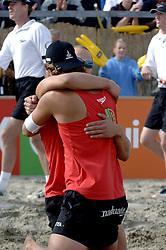 20-08-2006 VOLLEYBAL: NK BEACHVOLLEYBAL: SCHEVENINGEN<br /> Gijs Ronnes <br /> &copy;2006-WWW.FOTOHOOGENDOORN.NL
