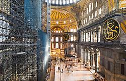 THEMENBILD - Gerüst in der Hagia Sophia. Istanbul, früher Konstantinopel, ist die größte Stadt der Türkei. Sie liegt am Bosporus und liegt am Schnittpunkt von Asien und Europa. Aufgenommen am 04.03.2016 in Istanbul, Türkei // framework construction inside the Ayasofya. Istanbul, former Constantinople, is the biggest City of Turkey. Turkey on 2016/03/04. EXPA Pictures © 2016, PhotoCredit: EXPA/ Michael Gruber