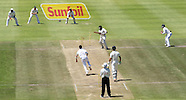 Cricket - South Africa v New Zealand 1st Test Day 3 Cape Town