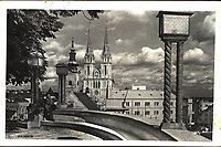 Zagreb.  <br /> <br /> ImpresumZagreb : Foto-Material od t. t. Griesbach i Knaus, [193-].<br /> Materijalni opis1 razglednica : tisak ; 9 x 14, cm.<br /> NakladnikFotoveletrgovina Griesbach i Knaus (Zagreb)<br /> Mjesto izdavanjaZagreb<br /> Vrstavizualna građa • razglednice<br /> ZbirkaZbirka razglednica • Grafička zbirka NSK<br /> Formatimage/jpeg<br /> PredmetZagreb –– Šetalište Josipa Jurja Strossmayera<br /> SignaturaRZG-STR-7<br /> Obuhvat(vremenski)20. stoljeće<br /> PravaJavno dobro<br /> Identifikatori000952565<br /> NBN.HRNBN: urn:nbn:hr:238:826844 <br /> <br /> Izvor: Digitalne zbirke Nacionalne i sveučilišne knjižnice u Zagrebu