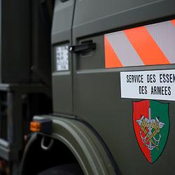 Service interarm&eacute;e d&eacute;pendant directement du Chef d'Etat Major des Arm&eacute;es le SEA est consult&eacute; en amont de tout d&eacute;ploiement des forces &agrave; l'&eacute;tranger de fa&ccedil;on &agrave; assurer la capacit&eacute; de travail des troupes envoy&eacute;es. Au quotidien l'activit&eacute; du DEA (D&eacute;p&ocirc;t d'Essence Air) de Dijon-Longvic consiste surtout &agrave; fournir en carbur&eacute;acteur F-34 les mirages 2000-5 et les alphajets de la base a&eacute;rienne.<br /> Juin 2011 / Dijon-Longvic / C&ocirc;te d'Or (21) / FRANCE<br /> Cliquez ci-dessous pour voir le reportage complet (86 photos) en acc&egrave;s r&eacute;serv&eacute;<br /> http://sandrachenugodefroy.photoshelter.com/gallery/2011-06-SEA-sur-la-Base-Aerienne-102-Dijon-Longvic-Complet/G00002rQerGS7pNo/C0000yuz5WpdBLSQ